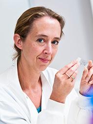 Dr Nicola Annels